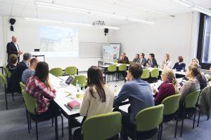Aktion vor Ort: MdL Prof. Dr. Thomas Sternberg (CDU) beim DFG-Graduiertenkolleg