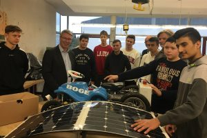 Aktion vor Ort: Fit in sozialen Medien: MdL Christian Dahm besucht die Realschule Enger