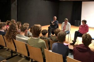 "Aktion vor Ort: KRESCHTheater ""Digital Natives"""