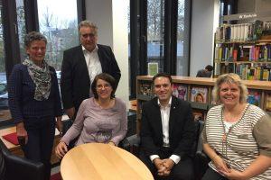 Aktion vor Ort: MdL Stefan Kämmerling (SPD) besuchte am 15. November 2016 die Stadtbücherei Eschweiler