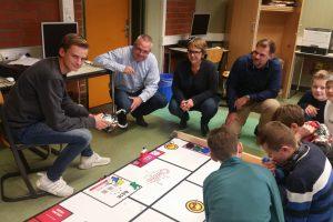 Aktion vor Ort: MdL Anja Butschkau besucht Roboter-AG des Goethe Gymnasiums in Dortmund-Hörde