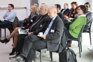 """Aktion vor Ort:  MdL Daniela Jansen (SPD) und MdL Karl Schultheis (SPD) besuchten zum Auftakt des neuen Formats """"Mediencafé"""" das Euregionale Medienzentrum Aachen"""