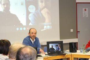 Aktion vor Ort: MdL Inge Blask (SPD) besuchte in der VHS Menden-Hemer-Balve eine Veranstaltung zum Thema Cybercrime