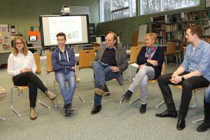 Aktion vor Ort: MdL Monika Pieper (PIRATEN) besuchte am 16. November 2016 die Erich Kästner-Schule in Bochum