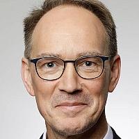 Univ.-Prof. Dr. Peter Kenning